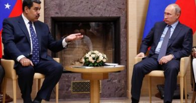 "* Putin condemns ""terrorist actions"" to force a ""change"" in Venezuela"