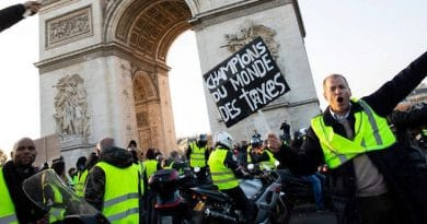 President of France suspends rise in fuel prices after several days of protests