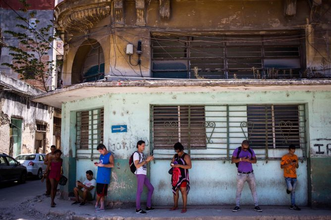 Cuba Will Allow Full Internet Access on Phones Starting This Week