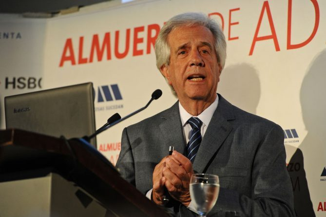 "Uruguay Could Host a ""Summit"" for Venezuela, said Tabare Vazquez"