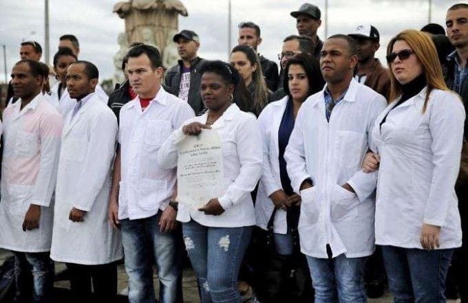 Five Hundred Cuban Medical Specialists Arrive in Venezuela