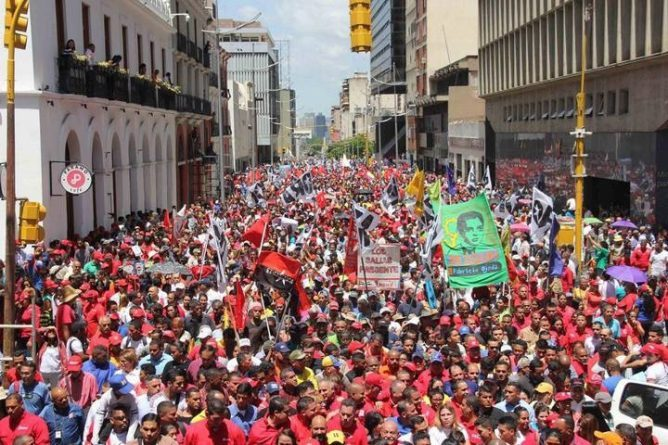Day of Demonstrations in Caracas (images)