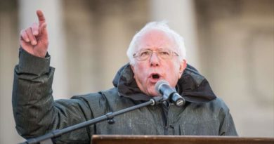 Sanders Warns the US not to Support Coup Plotters in Venezuela