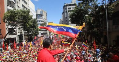 Maduro: Venezuela Breaks Political and Diplomatic Relations with Colombia