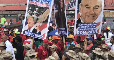 Massive Chavista Demonstration Today in Caracas (images)