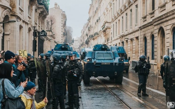 Civilians in Police Crosshairs as France Adopts Totalitarian Tactics to Squash Yellow Vests