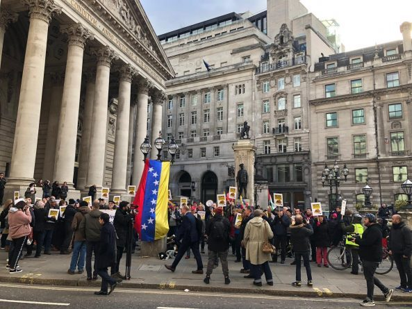 Protest in London Demanding the Return of Venezuelan Gold (images)