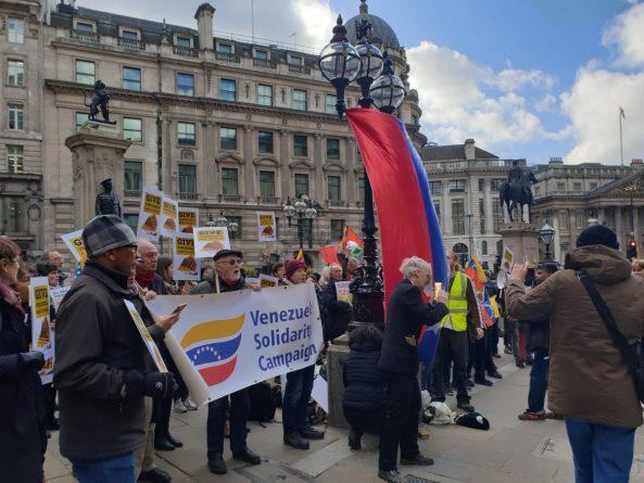 Protest in London Demanding the Return of Venezuelan Gold (images)