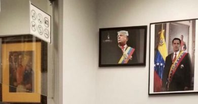 Venezuelan Consulate in Chicago Filled With Guaido's Minions