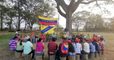 Battle of the Workers' Productive Army in the El Maizal Commune: Recovering Productive Capacities