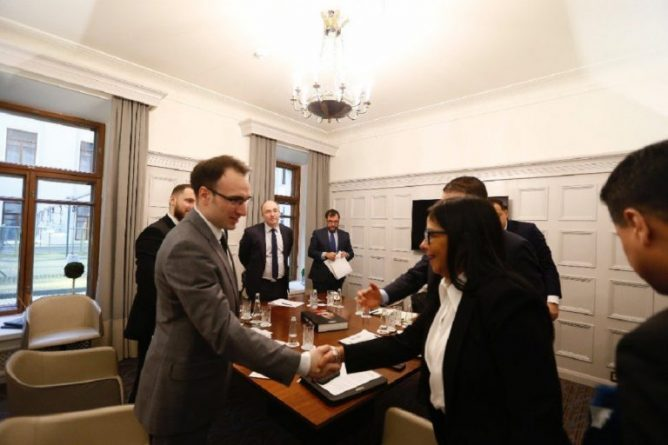 Venezuela and Russia: Agreement Reached to Purchase and Manufacture Medicines