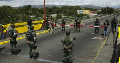 To Blow Up the Simon Bolivar Bridge: Military Defectors Threaten to Make Public Audios and Videos