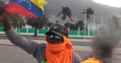 As US Coup Stalls in Venezuela, Haiti Rebels