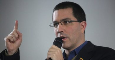 Arreaza: UK Criticizes Venezuela to Divert Attention From its Own Chaos