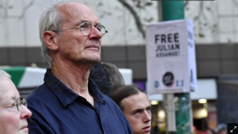 Julian Assange's Father Joins Melbourne Rally for WikiLeaks Founder