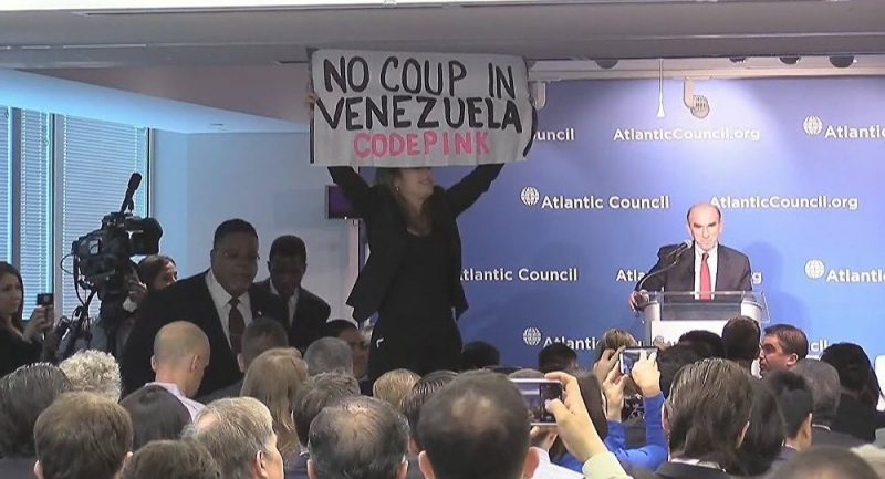 Watch Activist Protest US Coup Plot in Venezuela Straight to Trump Envoy's Face