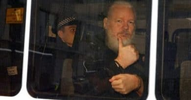 WikiLeaks Denounces Espionage on Assange in the Embassy