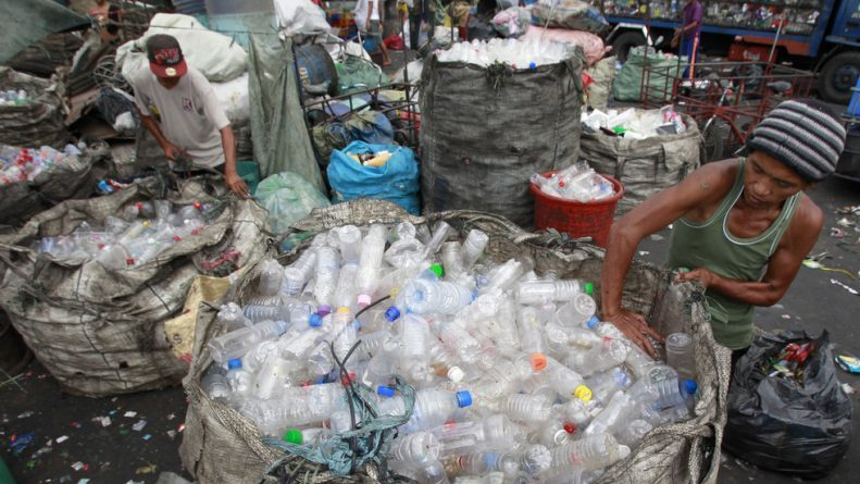 Duterte Orders Canadian Trash to be Returned or Dumped in Their Territorial Waters