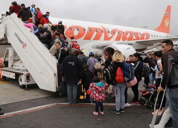 Arreaza Denounces Peru's Suspension of Return Flights to Venezuela