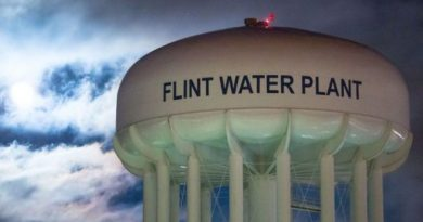 Michigan Prosecutors Drop Charges In Flint Water Investigation, But Promise New Probe