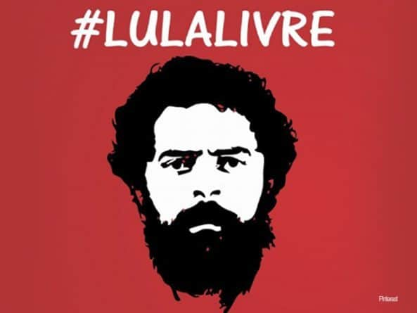 Nice Protest Demanding Lula's Freedom  (Video)
