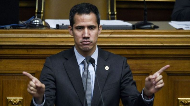 Guaido Steals Ideas from Chavismo and Believes Nobody Notices