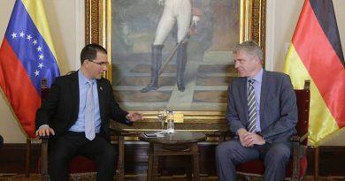 Chancellor Arreaza Received the German Ambassador to Rebuild Cooperative Agenda