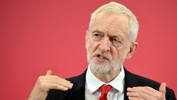 """Jeremy Corbyn """"Ready"""" to Challenge Boris Johnson in New Election With Focus on Poverty, Inequality"""