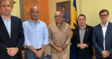 Venezuelan Delegation Arrives in Barbados to Continue Dialogue