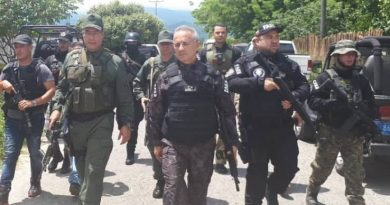 Images and Video: Law Enforcement Agencies Already Deployed on the Border with Colombia (+Paramilitaries)