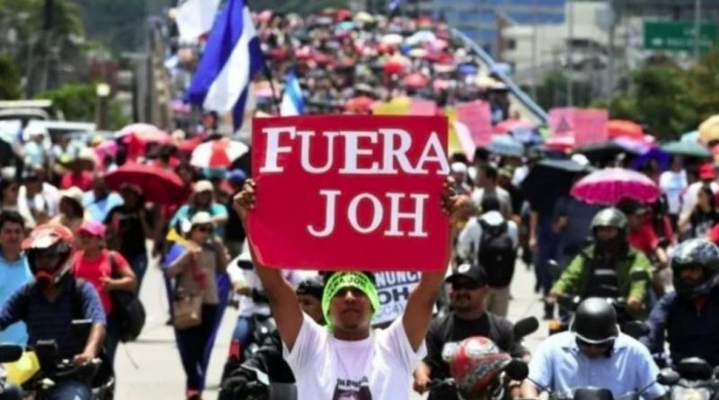 Hondurans Intensify Protests Demanding JOH's Resignation after Report Links Him to Drug Trafficking