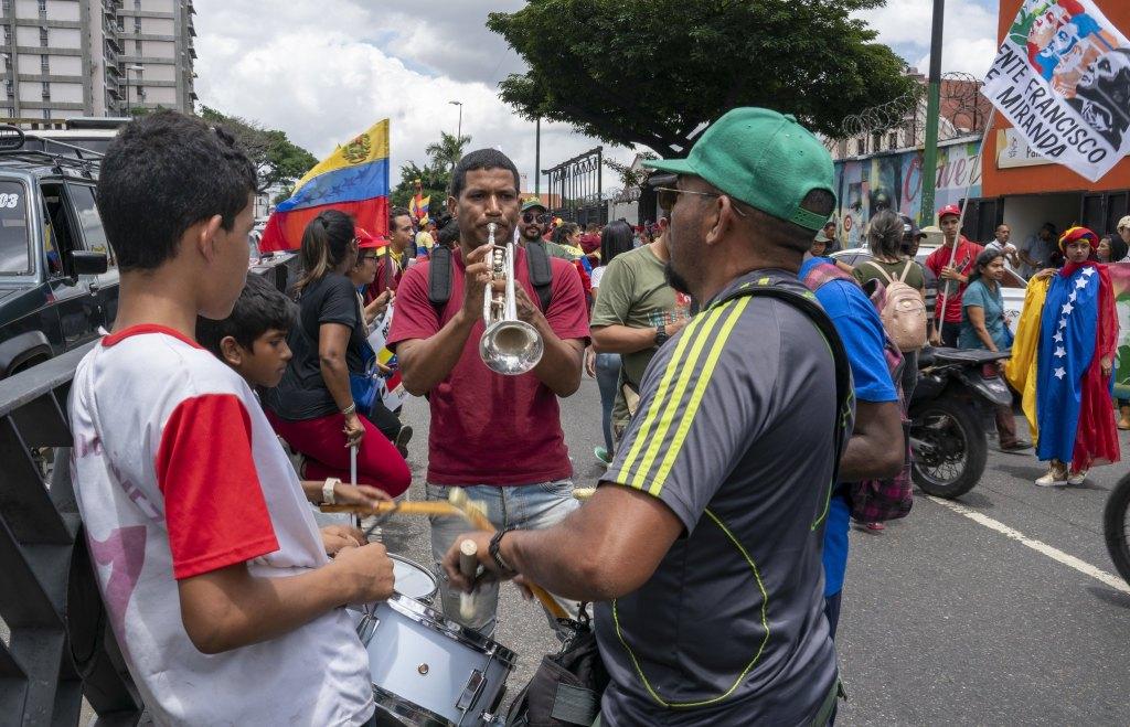 Venezuela-no-more-Trump-protest-drums.jpg