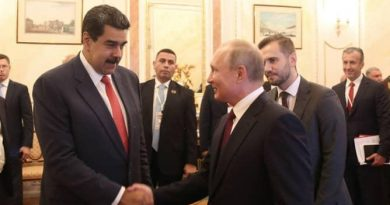 Putin Backs Venezuela's Dialogue Table During Meeting With Maduro in Moscow (Image + Videos)
