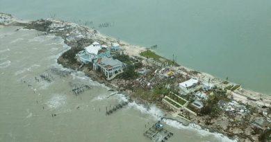 Cuba Sends Doctors & Teachers to Hurricane Hit Bahamas