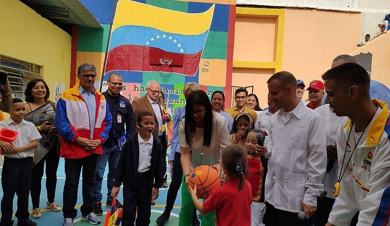 More than 8 Million 200 Thousand Children Started the School Year in Venezuela Today (Images)
