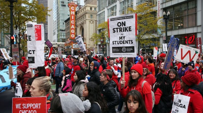 Chicago Teacher, SEIU Strikers Stand Strong
