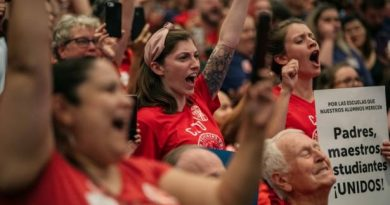What's at Stake in Chicago Teachers' Strike: Can Unions Bargain for the Entire Working Class?