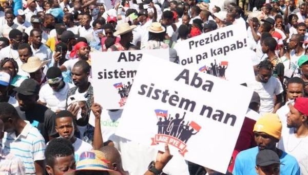 Haiti: Thousands of People Join Peaceful Protest Called by Artists