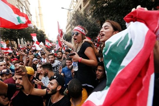 """A Million Protesters"" Flood Lebanese Capital Beirut on 4th Day of Demonstrations"