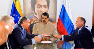 Venezuela: Opposition Demands Bond Annulment, Gov't Grants Rosneft Tax Breaks