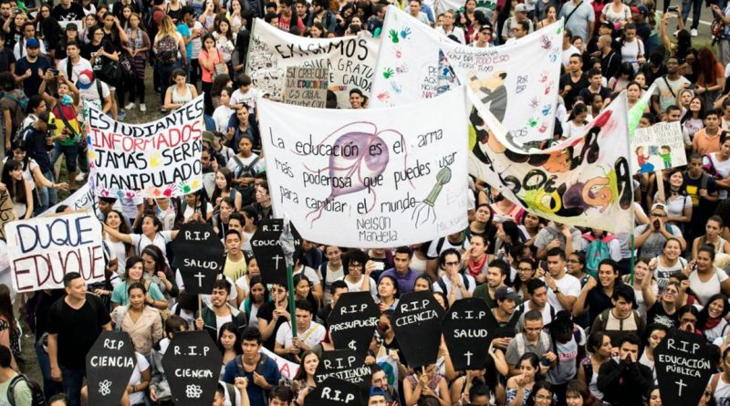 Defying Violent Repression, Colombia's Students Announce Mass Protests