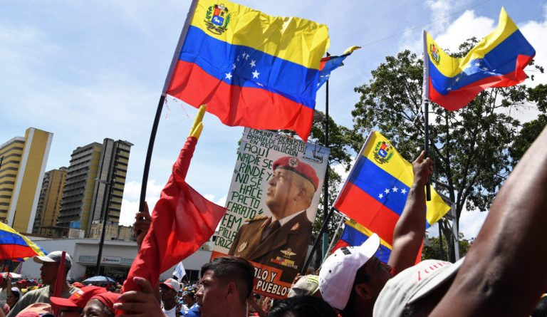 Massive Chavista Demonstration in Caracas in Support of Evo Morales and Against US Imperialism (Images)