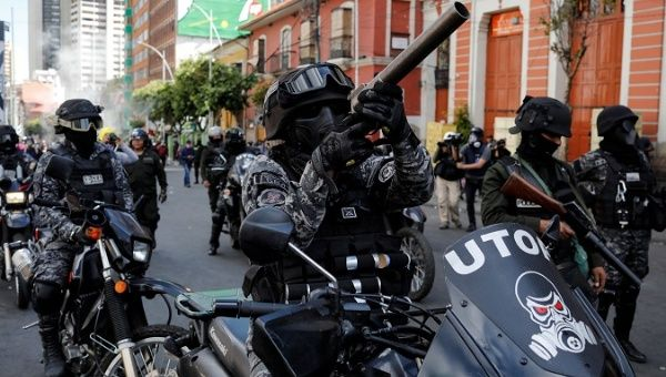 Bolivia: Police Demand to be Paid for Their Support for Coup