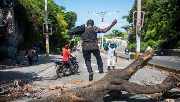 haiti-protestas-octava-semana-efe-compressor.jpg_1025562229.jpg