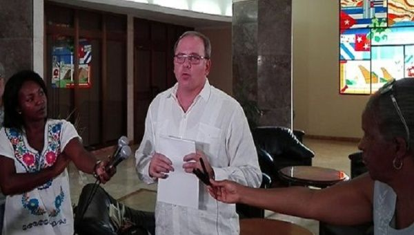 Cuban Doctors Harassed, Detained in Bolivia
