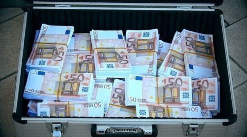 Another Scandal: Opposition Deputy Robbed of Suitcase Containing with 20 Thousand Euros