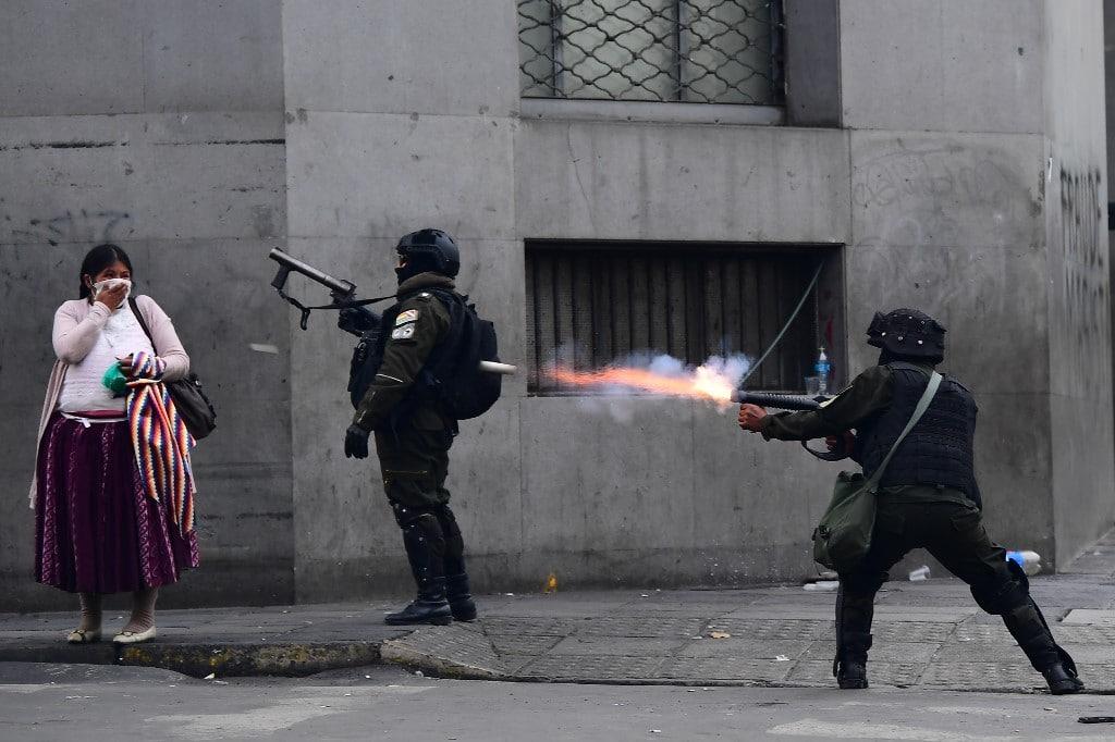 bolivia_police_2019_afp.jpg