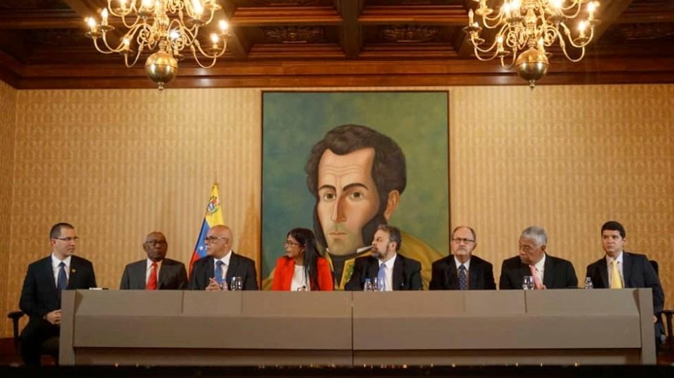 mesa-dialogo-venezuela.jpg
