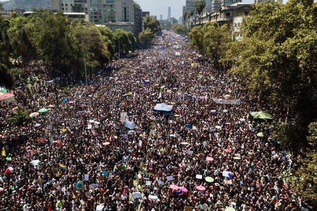 Womens-Day-Rally-Santiago