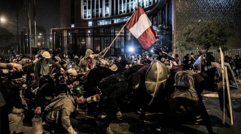 protests in peru, political crisis, corruption, new constitution, que se vayan todos